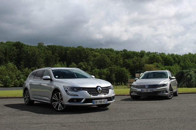 comparatif vid o renault talisman estate vs volkswagen passat sw une place en finale. Black Bedroom Furniture Sets. Home Design Ideas