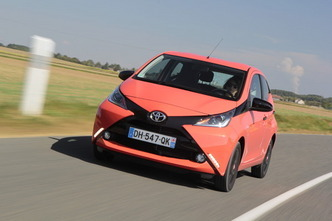 Toyota Aygo X-Play 3p12000€