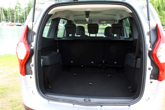 comparatif vid o renault sc nic dacia lodgy l 39 ennemi qui venait de l 39 int rieur. Black Bedroom Furniture Sets. Home Design Ideas