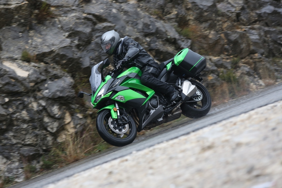 Essai Kawasaki Z1000SX 2017 : plus belle, plus protectrice