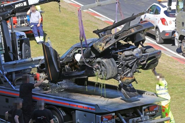 Koenigsegg One:1 : gros crash, mais elle pourrait être reconstruite