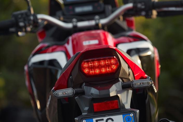 Essai - Honda CRF 1100 L Africa Twin : nouvelle donne. S1-essai-honda-crf-1100-l-africa-twin-nouvelle-donne-607009