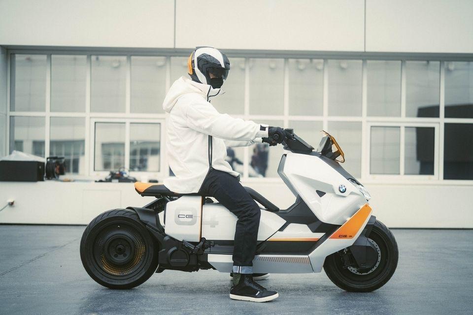 https://images.caradisiac.com/images/9/2/0/2/189202/S8-le-nouveau-scooter-electrique-bmw-est-pret-pour-prendre-la-route-668717.jpg