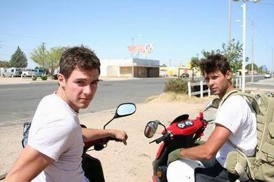 Ils traversent les Etats Unis en scooter 50cc