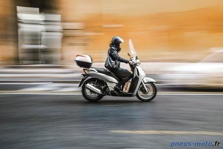 Enquête Delticom: 85% des motards espagnols roulent en hiver... contre 11% en Autriche