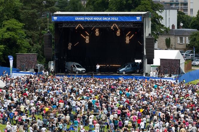 Pique-nique Dacia 2012: 12000 fans réunis et du marketing direct