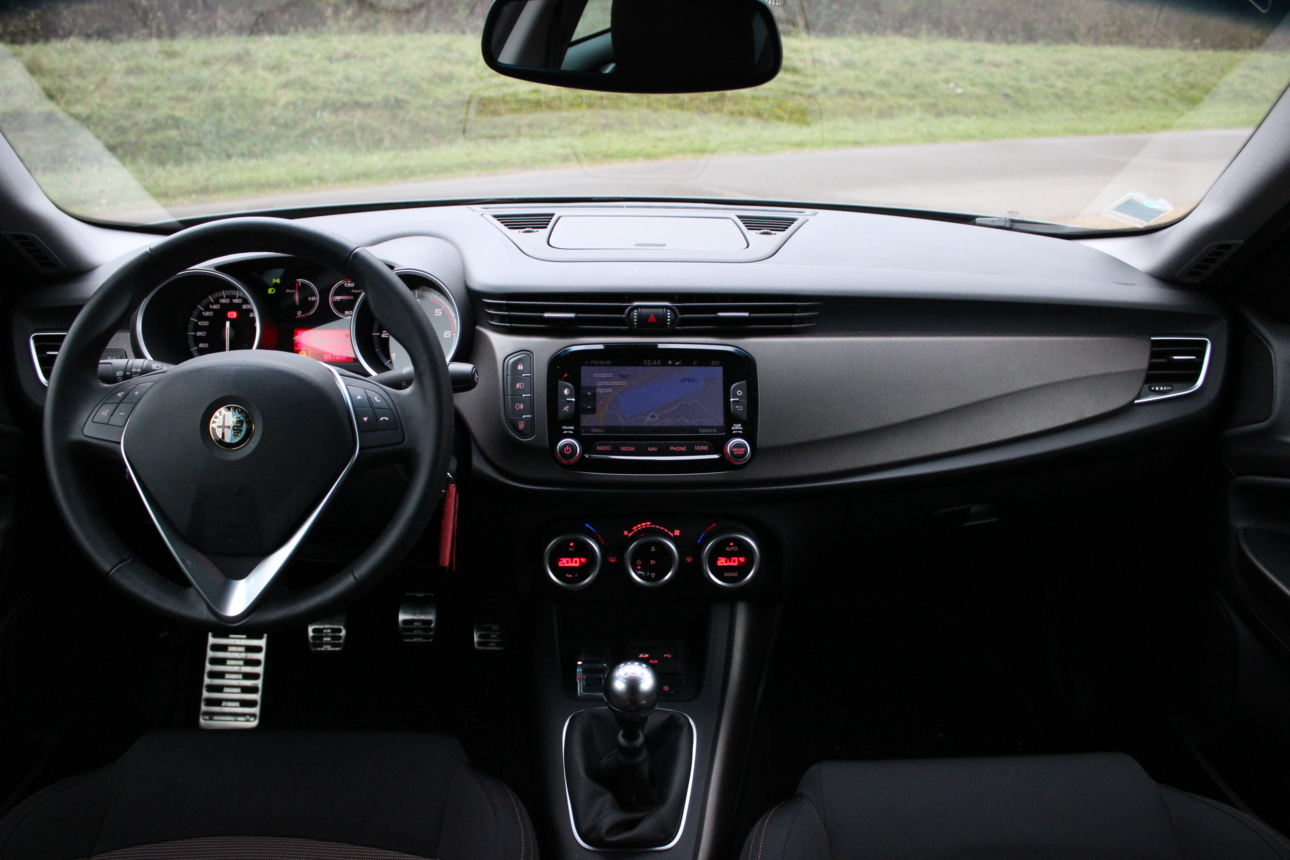 alfa romeo giulietta restyling 2013 autos post. Black Bedroom Furniture Sets. Home Design Ideas
