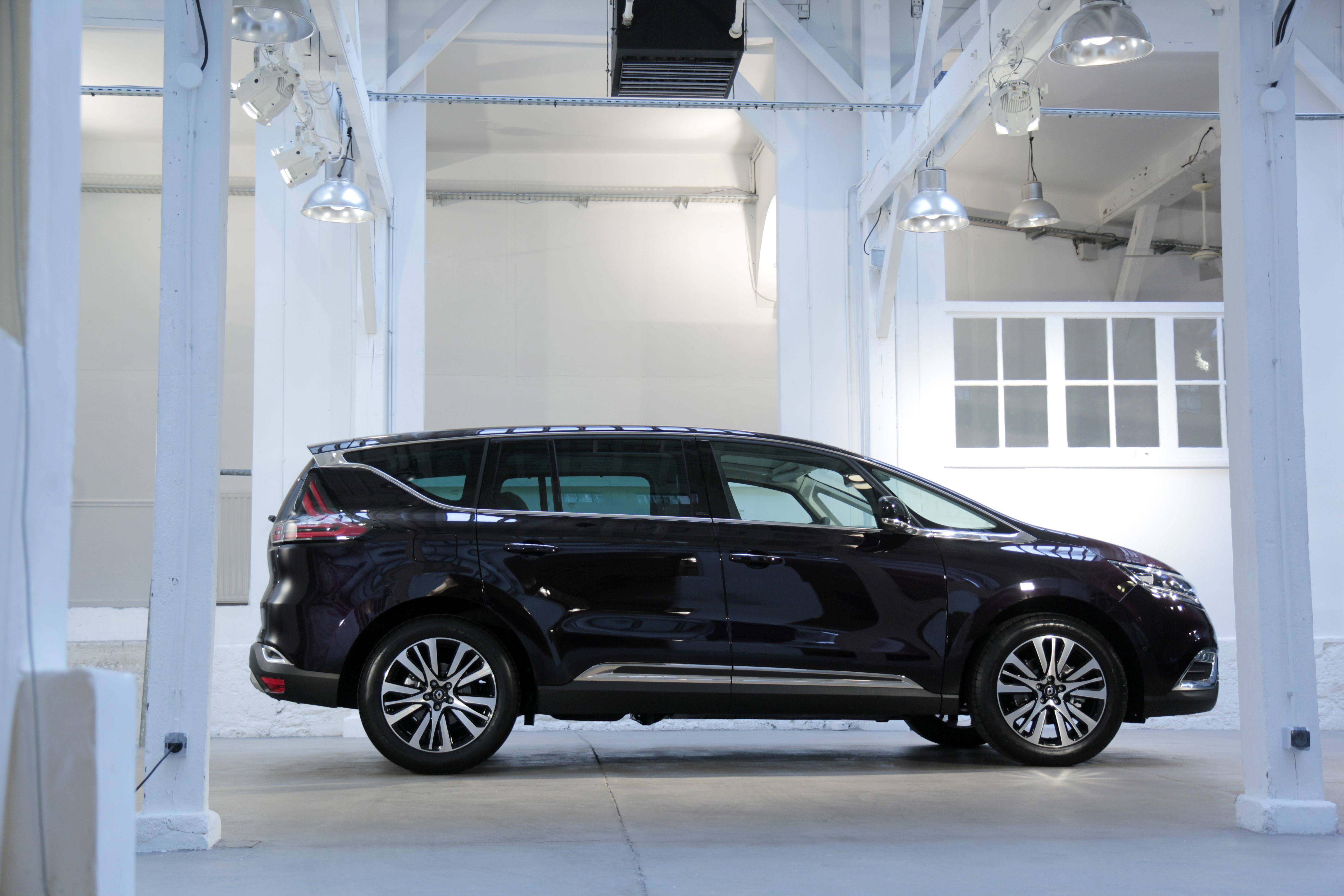 vid o caradisiac part la d couverte du nouveau renault espace. Black Bedroom Furniture Sets. Home Design Ideas