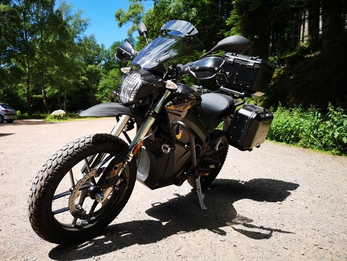Essai Zero Motorcycle DSR Black Forest : l'écolo écono