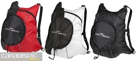 Travel Bags fait un sac à casque.
