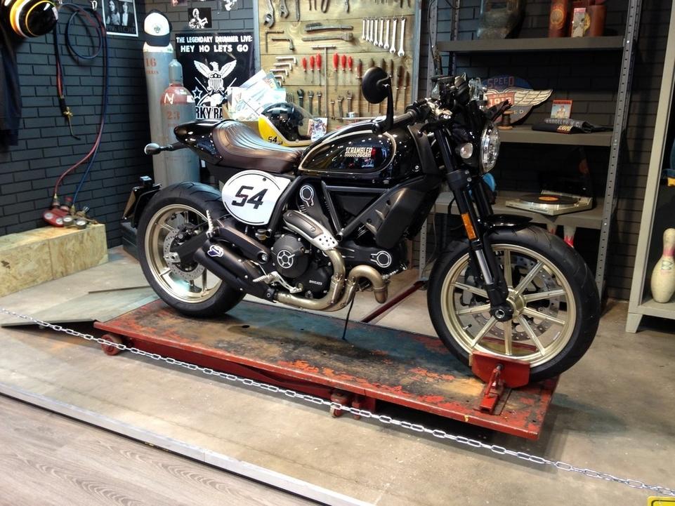 En direct de l'Eicma : Ducati Scrambler Café Racer