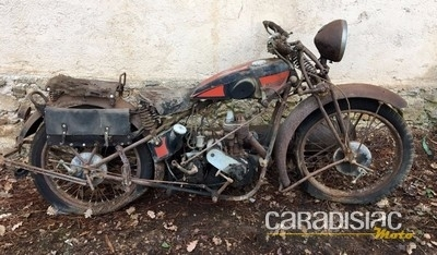 Vente Osenat de la collection Gérard Gombert: des motos à l'épreuve du temps.