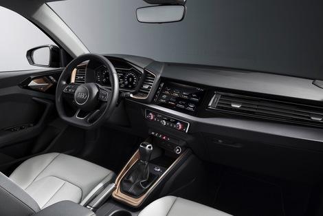 La présentation s'inspire de celles des grandes Audi... et de la Polo.