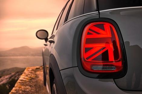 Ces nouveaux feux sont un joli clin d'oeil aux origines de l'auto.