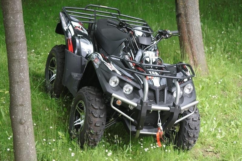 Triton Outback 400 4x4 LTD : votre kit déco Kutvek pour 1 € de plus !
