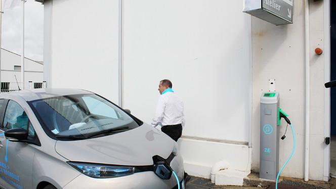 Renault offre une heure de recharge quotidienne dans ses concessions