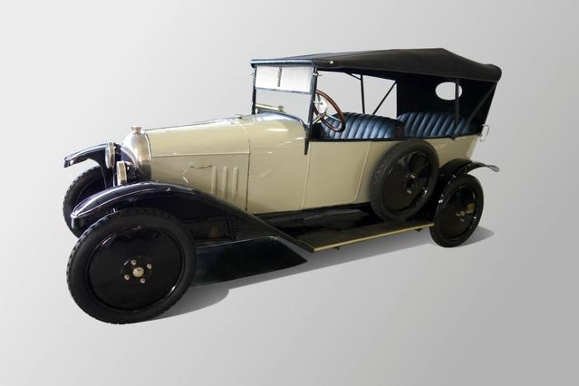 La première Citroën est cette 10 HP Type A sortie en 1919. La marque ne cache pas que le fondateur André Citroën s'est inspiré de la Ford T.