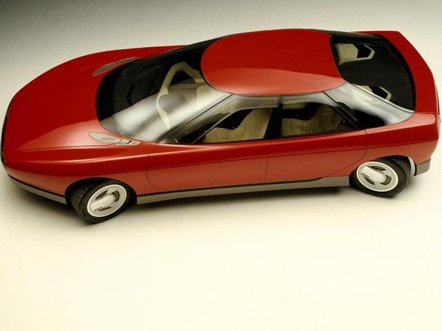 Plusieurs concepts sont présentés, dont cette Activa 1 dévoilée au Mondial de l'Automobile 1988.