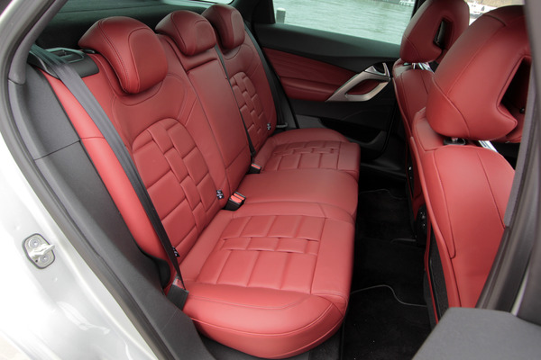 Les plus beau cuir de nos voitures design for Interieur de voiture en cuir