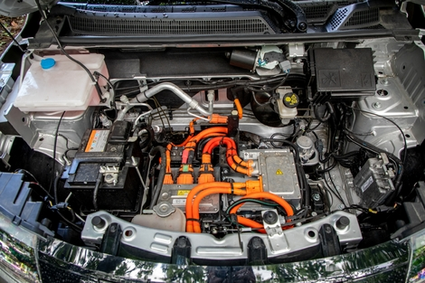 The Spring's small engine (44 hp) does not allow it amazing performance, but its 27.4 kWh battery allows a range of 230 km.