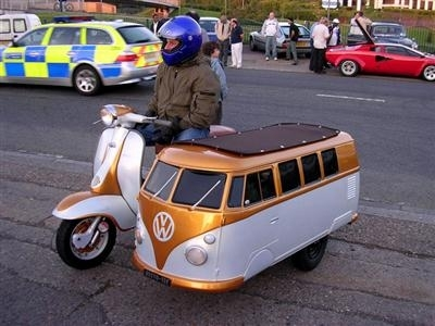 Photo du jour : Vespa VW side car
