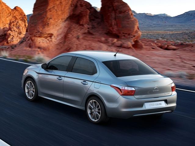 Chez Citroën, le véhicule d'accès est la C-Elysée. Cette dernière est d'ailleurs le best-seller en Chine, avec 90000 ventes en 2015, environ 30% des immatriculations totales. L'auto n'a d'ailleurs plus vraiment sa place dans cet article, puisqu'elle a été discrètement mise en vente en France au printemps.
