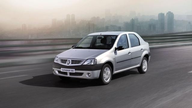 La gamme iranienne de Renault est l'occasion de faire un voyage dans le temps. On y trouve la Mégane 2 (en version berline) ainsi que la première Logan, renommée Tondar90.