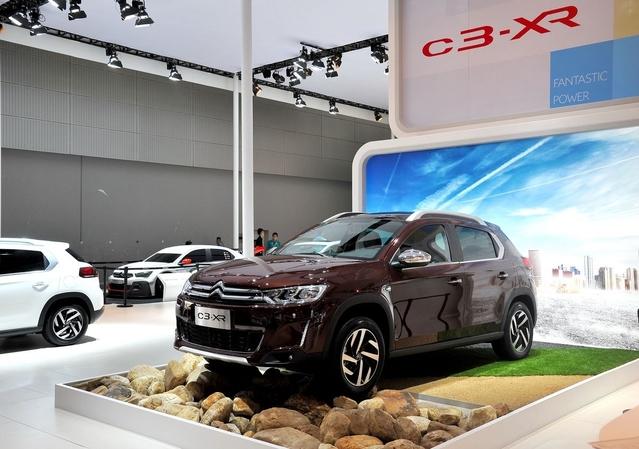 L'une des nouvelles vedettes de Citroën en Chine est le petit SUV C3-XR, étroitement dérivé du 2008. Près de 70000 unités ont été écoulées en 2015, première année de commercialisation. Ce véhicule ne franchira jamais les frontières de la Chine. Curieux quand on sait le succès qu'ont les SUV urbains chez nous. Mais Citroën donne la priorité au C4 Cactus… et prépare un C3 Aircross pour l'Europe.