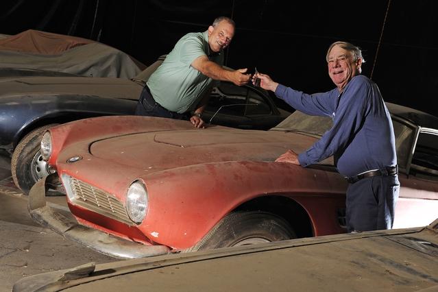 Le précédent propriétaire, Jack Castor, qui était un collectionneur, est décédé il y a quelque temps et son souhait a toujours été que l'auto soit restaurée à l'origine. BMW va donc exaucer son voeu, mais le travail à accomplir est immense.