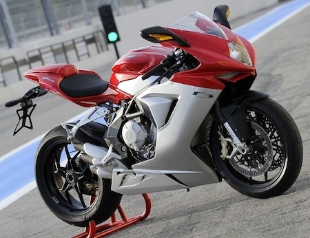 La MV Agusta F3 se chausse chez Pirelli en Diablo Rosso Corsa