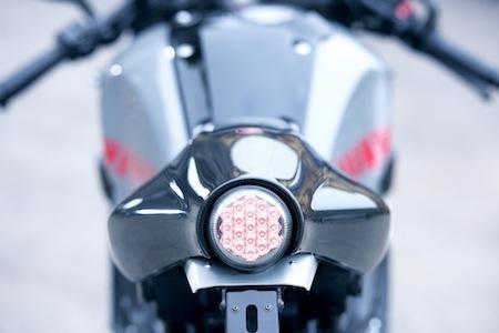 695 exemplaires pour cette Yamaha XSR900 Abarth