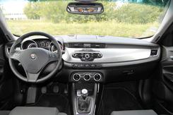Alfa Romeo Giulietta vs Volkswagen Golf : le feu et la glace