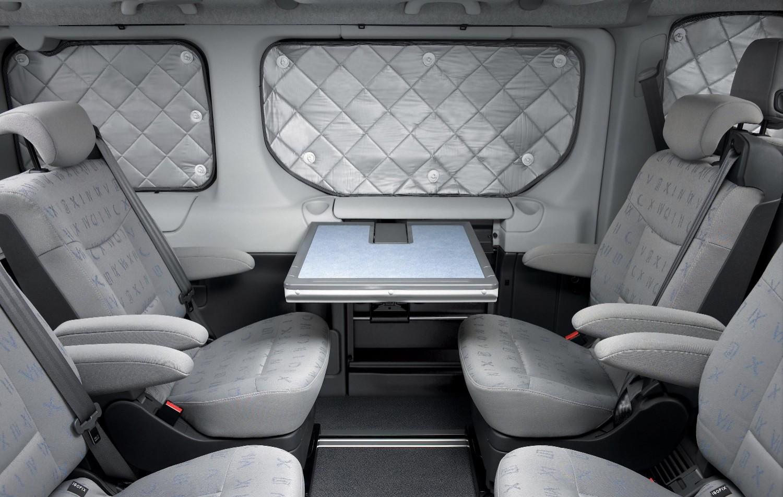 Renault trafic generation evado l 39 engin id al pour s 39 vader for Interieur trafic 9 places