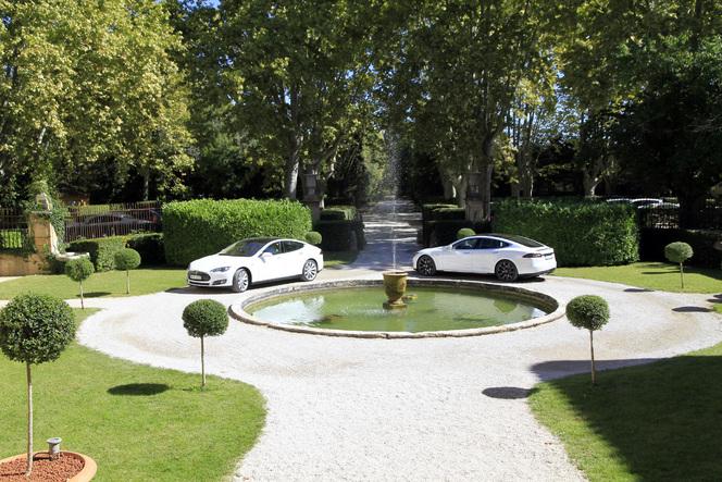 Les premières Tesla Model S françaises livrées à Aix en Provence