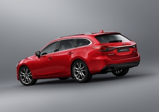 """Mazda ne sera pas au Mondial de l'Automobile. Il faudra donc aller voir cette """"nouvelle"""" 6 dans les concessions."""