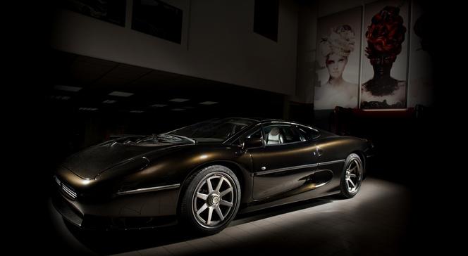 Vilner rhabille joliment une Jaguar XJ 220