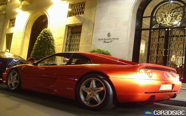 Ferrari F355 : red label