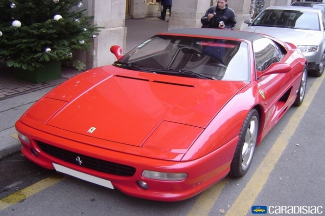 Ferrari F355 : red label