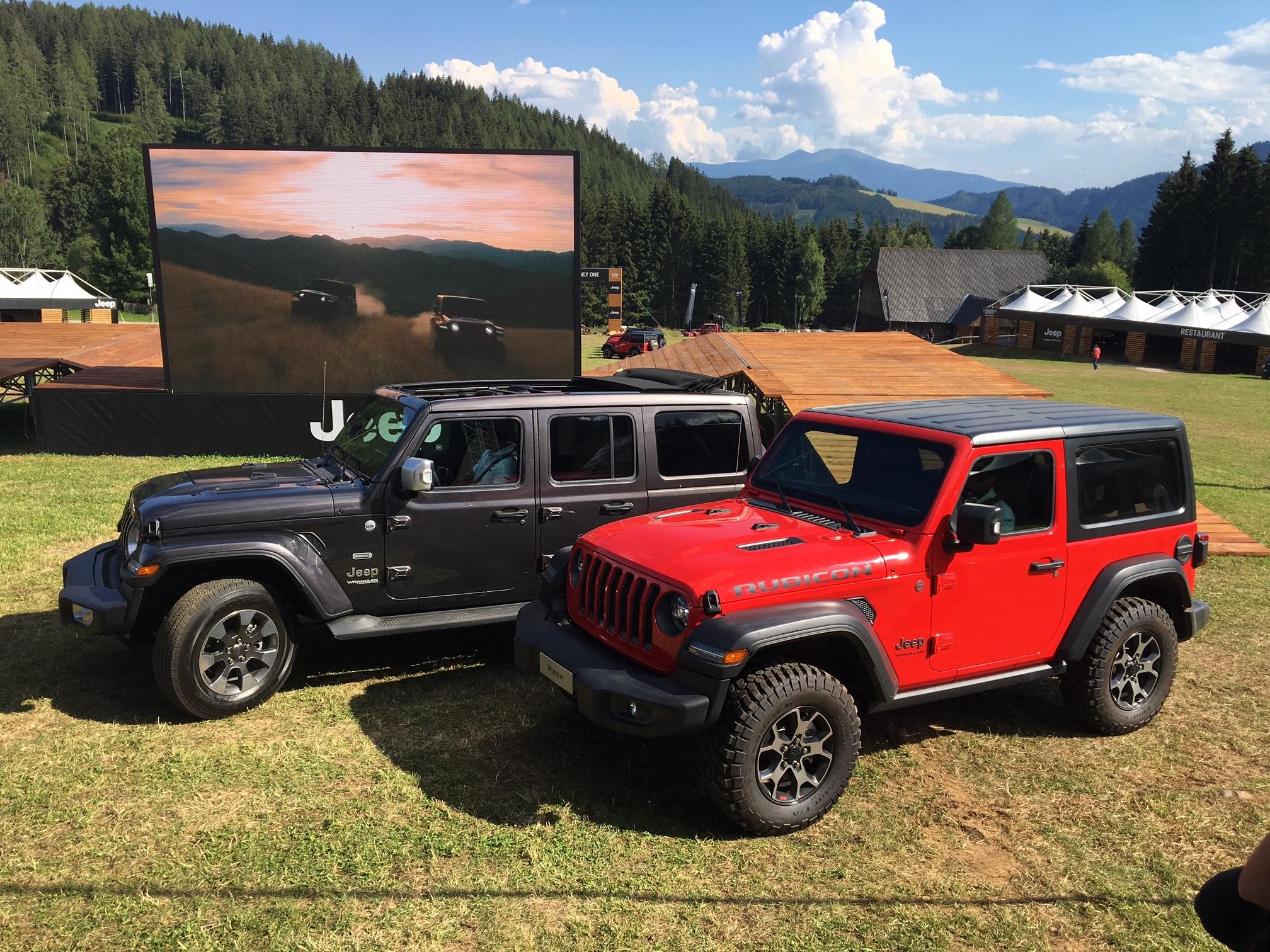 jeep wrangler 2018 les premi res images de l 39 essai en live. Black Bedroom Furniture Sets. Home Design Ideas