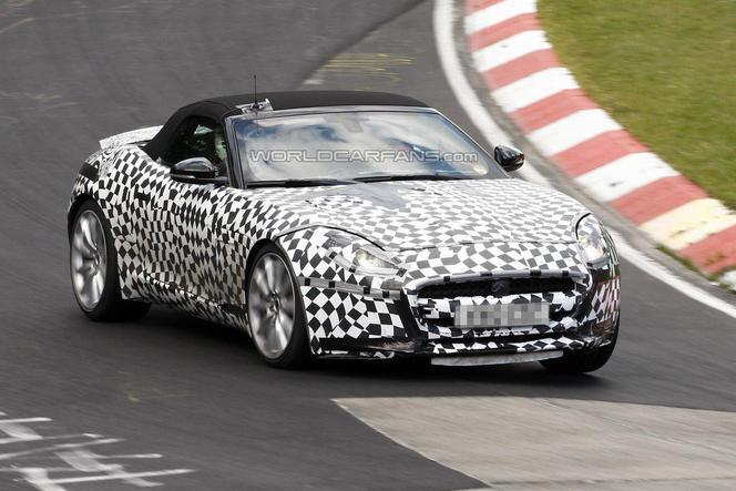 Surprise (en vidéo) : une Jaguar F-Type R sur le Nürburgring
