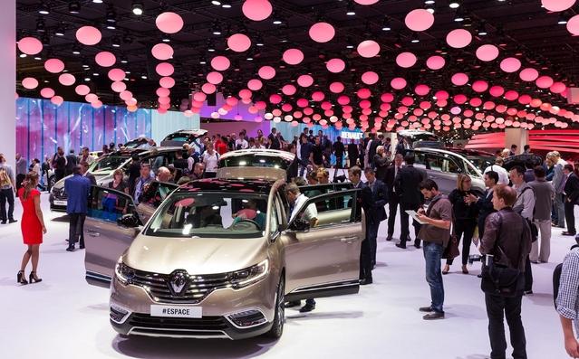 Heureusement, les français seront présents et en forme. Renault exposera les nouveaux Scénic court et long, la Clio restylée, la Twingo GT, le Koleos 2 et un concept-car inédit!