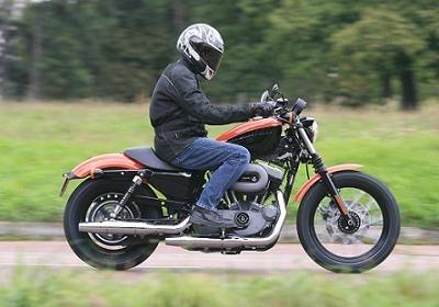 Essai: Harley XL 1200N Nightster: Le fondamental