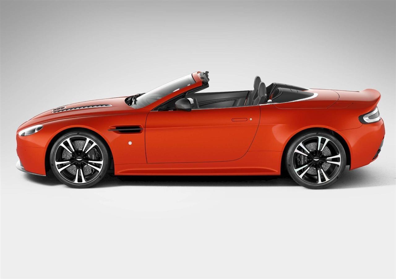 http://images.caradisiac.com/images/9/5/2/2/79522/S0-La-nouvelle-Aston-Martin-V12-Vantage-Roadster-arrive-266202.jpg