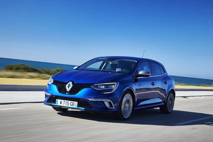 Info Caradisiac - Renault arrête les Twingo GT et Mégane GT