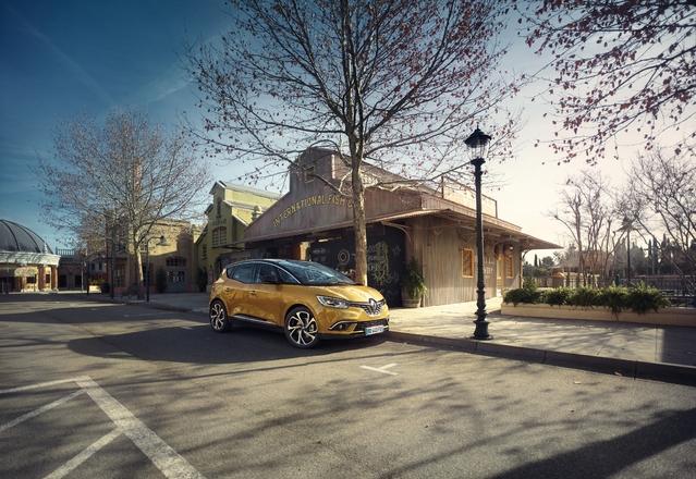 Le Renault Scénic prend un sacré coup de jeune !