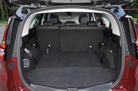 Renault Grand Scénic 1.3 TCE 140 EDC VS Citroën Grand C4 SpaceTourer 1.2 Puretech 130 EAT6: un cœur p'tit comme ça
