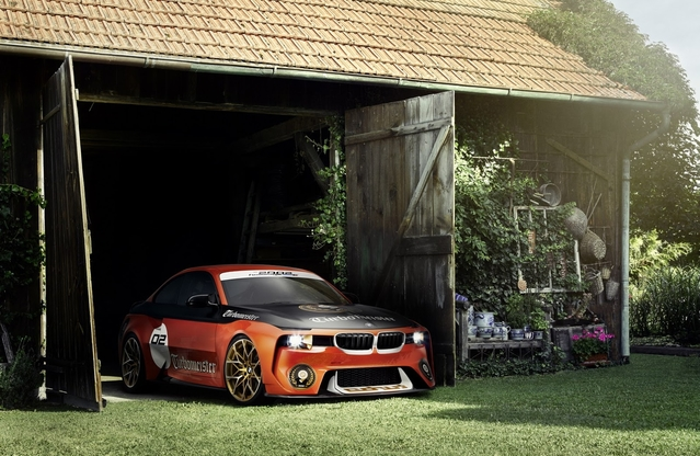 Pebble Beach 2016 : la BMW 2002 Hommage Concept en tenue de course