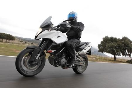 Essai - KTM 990 SM T ABS 2011 : «Ready to race» rime avec ABS
