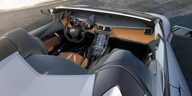 Pebble Beach 2016: La Lamborghini Centenario ôte son toit