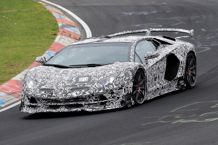 "Lamborghini préparerait une Aventador SV ""Jota"""